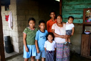 Isabel with 5 of her 8 children at their home in Pacux, Rabinal.